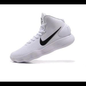 White nike hyper-dunk basketball shoes